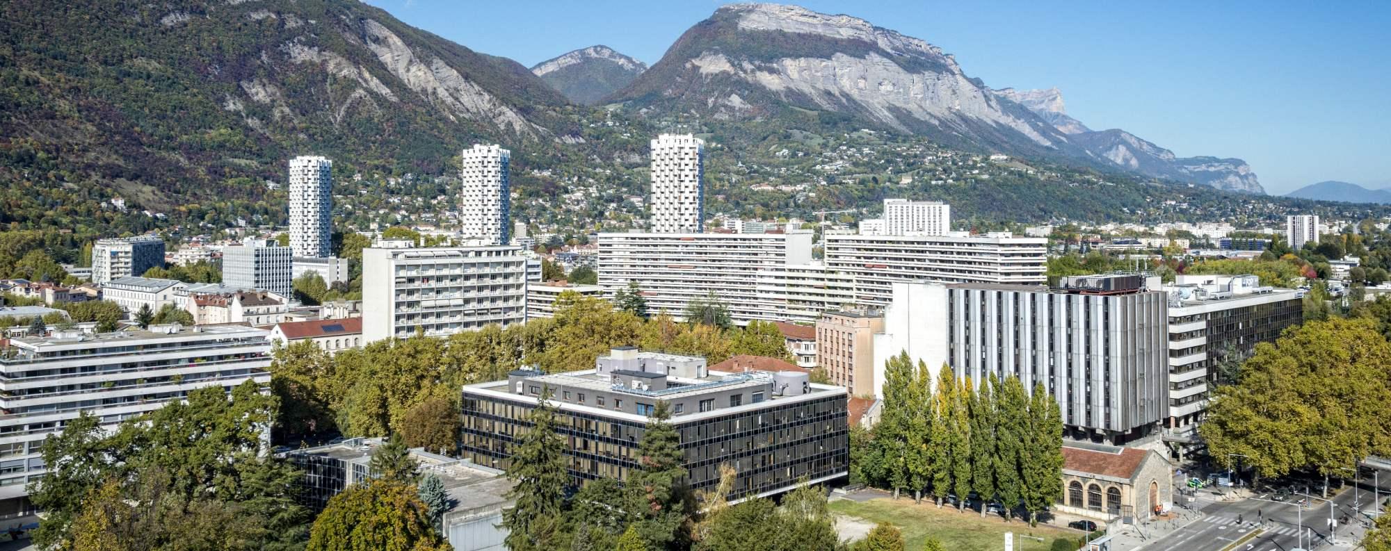 Vue sur l'Île Verte et la Chartreuse à Grenoble