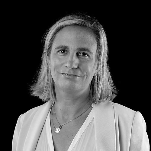 Portrait noir et blanc de Sandrine PONCET, avocate au barreau de Grenoble